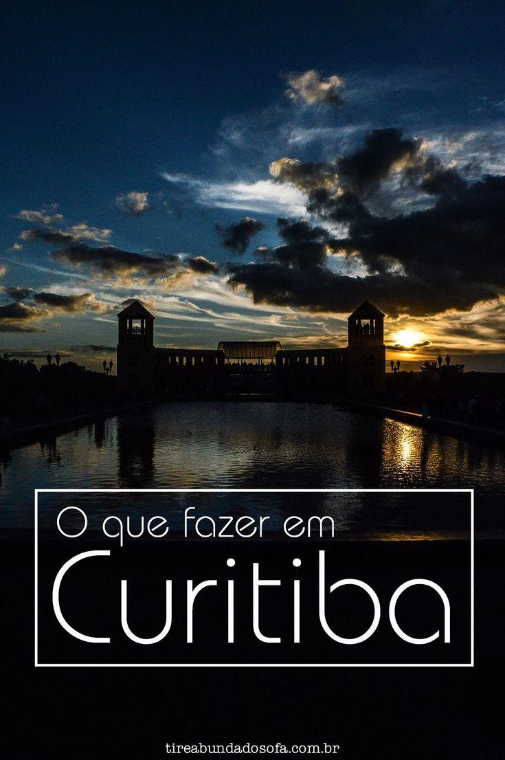 Guia completo do que fazer em Curitiba, a capital paranaense que já foi eleita capital ecológica. Na foto: Pôr do Sol no Parque Tanguá.