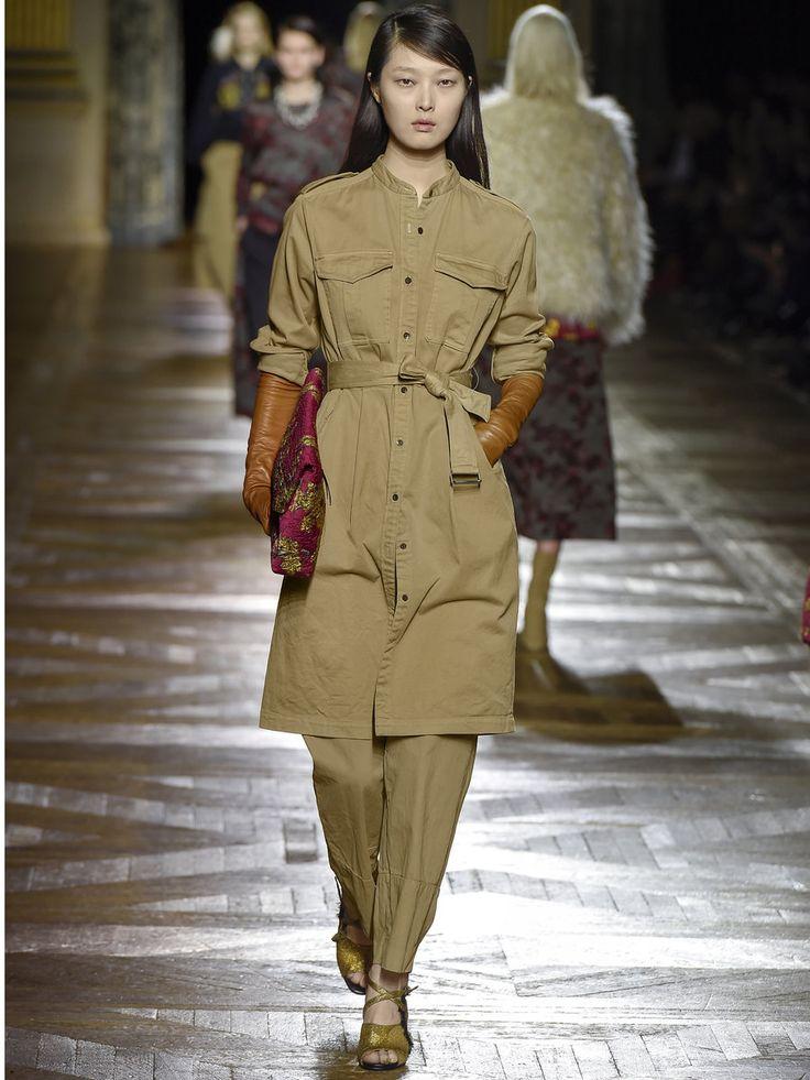 エル ファッション ディレクターKayoriは「ドリス ヴァン ノッテン」のコットンワークパンツを大人買い!