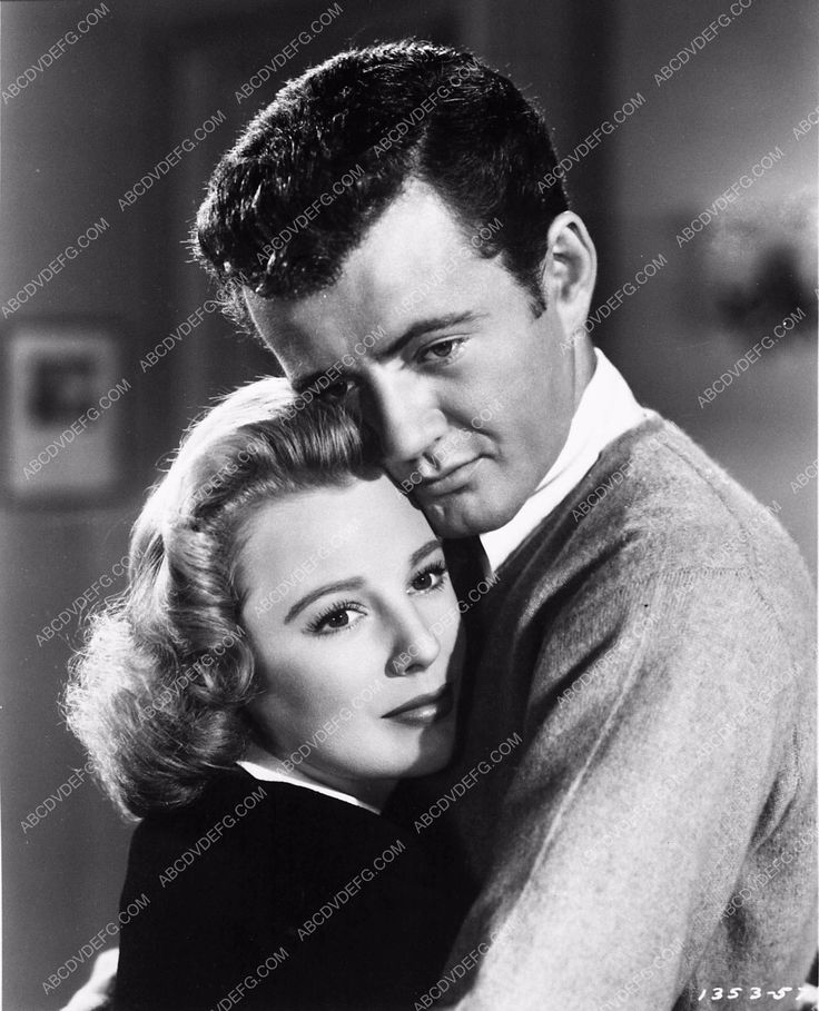 photo June Allyson Robert Walker film The Sailor Takes a Wife 3990-33