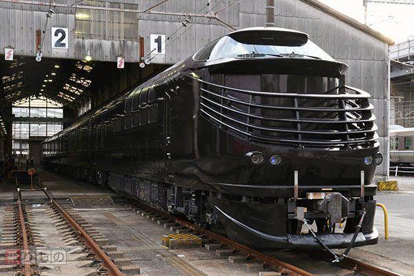 2017年6月17日に運行を開始するJR西日本の豪華クルーズトレイン「TWILIGHT EXPRESS 瑞風」。この列車を使用した旅行の申し込み状況が、このたび発表されました。最高倍率は68倍を記録したといいます。