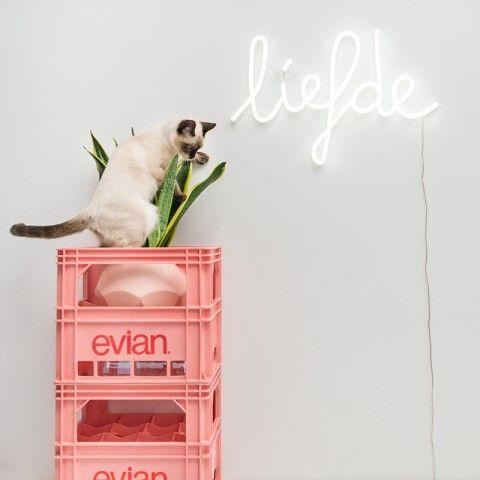 Top of my wishlist!! Wandlamp Neon liefde wit - QAZQA.com