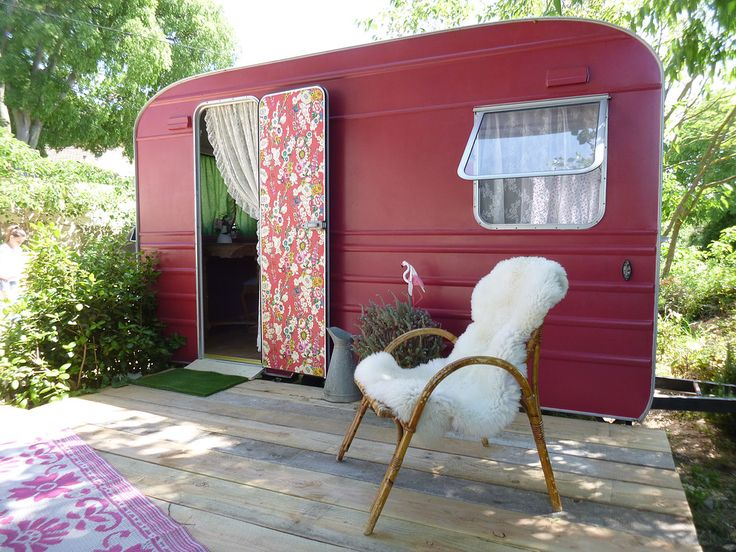 pingl par kim dillon sur vintage campers travel trailers. Black Bedroom Furniture Sets. Home Design Ideas