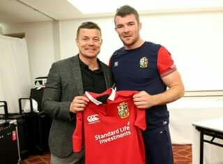 A special moment as Brian O'Driscoll presents the jerseys to the match 23 in front of entire Lions squad ahead of the first Test #LionsNZ2017 #AllForOne
