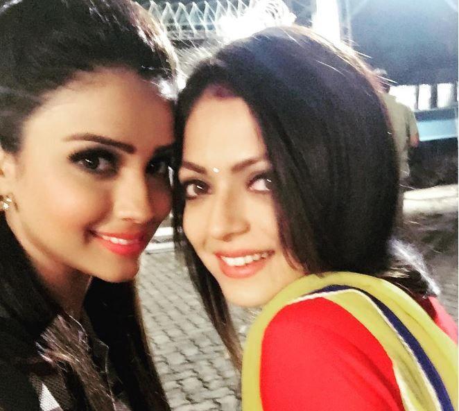 When Naina aka Drashti Dhami got her REVENGE on Ahana aka Adaa Khan in Pardes Mein Hai Mera Dil!  http://tellygossips.me/naina-aka-drashti-dhami-got-revenge-ahana-aka-adaa-khan-pardes-mein-hai-mera-dil/