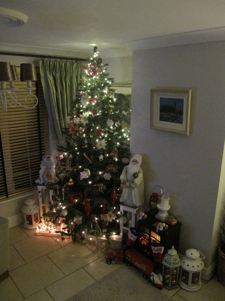 I think this is enough Decorations....jut love Christmas xx