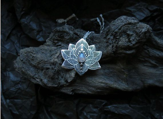 Lotus - Water Lily halsketting - hanger zilver bloem ketting - Moonstone Necklace - Hart Chakra ketting