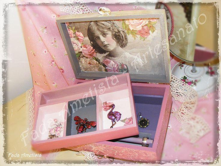 Caixa em Madeira estilo Vintage ● Porta jóias ● Decoupage ● Romantic