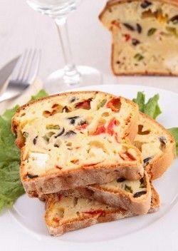 Cake au tofu, aux tomates séchées et aux olives