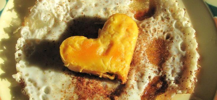 Oeuf au plat en forme de coeur une recette de st-valentin pas cher. Yopyop.ch