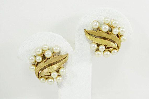 Vintage Leaf /& Pearl Earrings