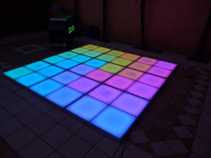 Pista Iluminada LED, 12 canales DMX. Fabricada en aluminio, terminada en cristal templado, 12 canales dmx  #led dance floor #pista de baile #pista iluminada led #pista led #iluminacion led #led dance floor #led furniture #led template