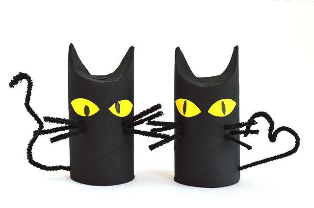 Gatos negros hechos con tubos de papel higiénico // Toilet roll black cats #halloween