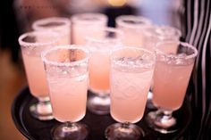 Blushing bride: (passion-fruit nectar, champagne, grenadine) Such a wonderful drink idea. While getting ready! Yummy!!!