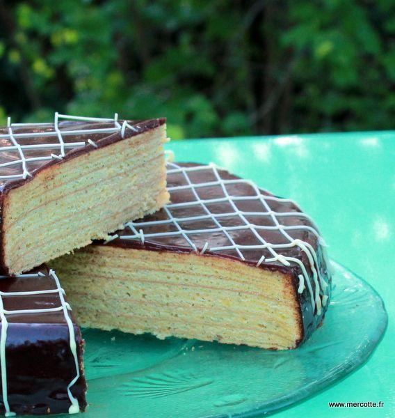 Mercredi c'est le jour des enfants et ça tombe biencarpour cette deuxième semaine de diffusion de la saison 4 du Meilleur Pâtissier et pour coller au thèmeles gâteaux rayés,voilà une rece…