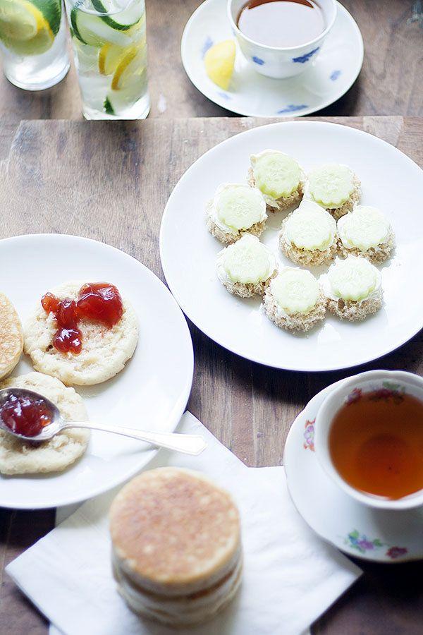 tea and crunpets