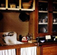How to Decorate Your Kitchen to a Colonial Style   By Jan Czech: How to Decorate Your Kitchen to a Colonial Style  By Jan Czech, eHow Contributor.   Read more: How to Decorate Your Kitchen to a Colonial Style   eHow.com http://www.ehow.com/how_7887069_decorate-kitchen-colonial-style.html#ixzz1fJn0Ux5R