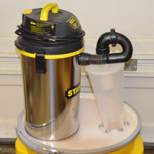 Best 25 portable dust collector ideas on pinterest dust for Portable dust collector motor blower