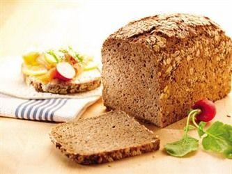 Kernebrot:  Yüksek oranda çavdar unu ve tahıl tanesi içeren yoğun nemli Alman ekmeği, doyurucu ve sağlıklı bir alternatif sunuyor... #kernebrot #çavdar #geleneksel #ekmek #puratos