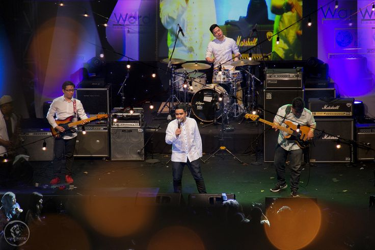 https://flic.kr/p/vmrG7M | Abdul and the coffee theory | instagram @ridhoalireza @workstreet.id   abdul and the coffee theory yang tampil pertama di hari jumat 26062015 at Ramadhan Jazz Festival