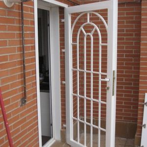 Las 25 mejores ideas sobre rejas para puertas en Puertas corredizas seguras