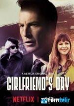 Girlfriend's Day (2017) Türkçe Dublaj ve Altyazılı 720p izlemek için tıkla:  http://www.filmbilir.net/girlfriend-s-day-2017-turkce-dublaj-ve-altyazili-720p-izle.html   Süre: 65 Dk. Vizyon Tarihi: 2017 Ülke: ABD Yazdığı romantik kartlar ile ünlenmiş mutsuz bir adam olan Ray Wentworth'un komik hikayesinin anlatıldığı Girlfriend's Day, yaşadığı şehirde ilan edilen Kız Arkadaş Günü için yazılacak en iyi kartın seçileceği bir yarışma ile Ray Wentworth hayatının biraz da olsa heyecanlı olacağını…