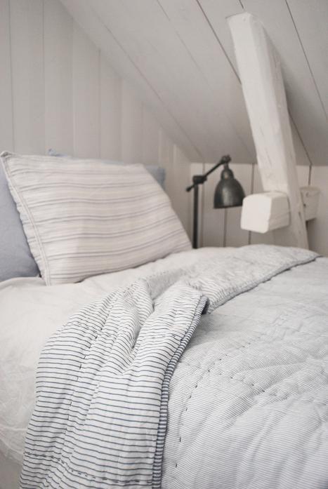 Julia White Dreams: Noells room
