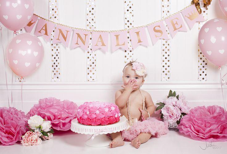 One year old girl birthday cake smash photo shoot!