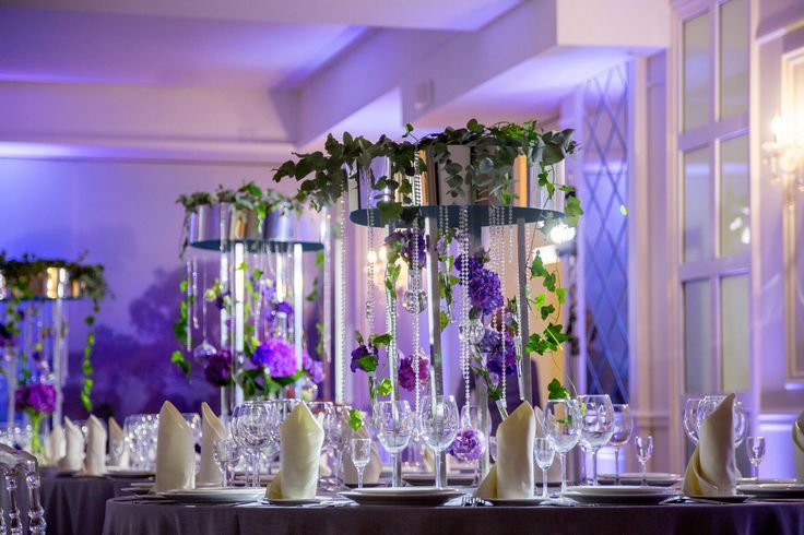 Designer Luiza Kolesnikova  Wedding #mirror  #weddingmirror #wedding #designideas #flowers #weddingdesign