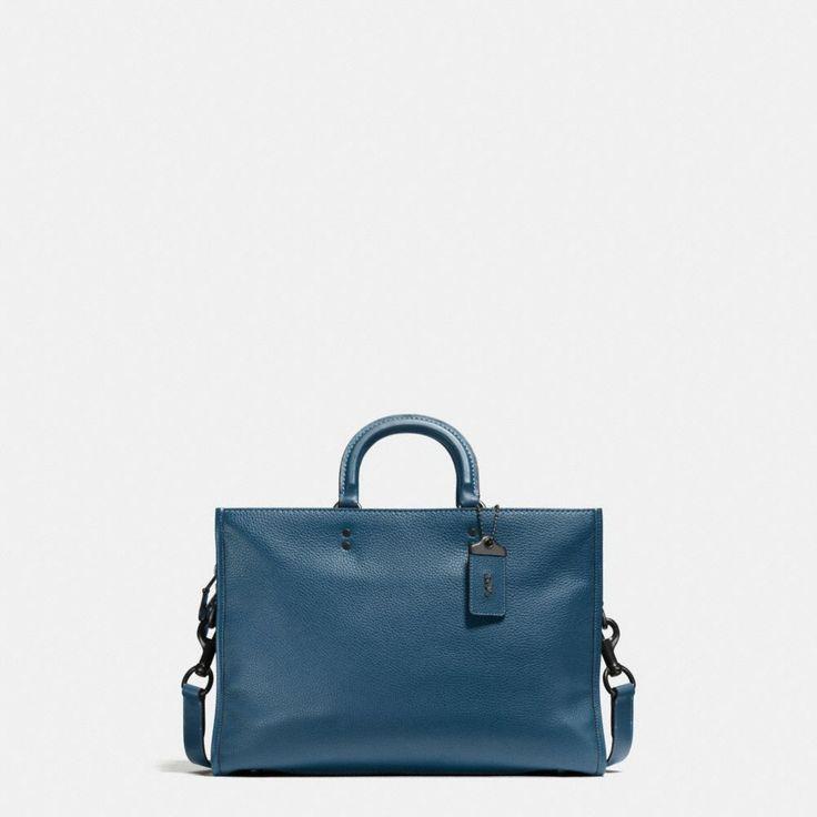 바로 보기 로그 브리프 인 글러브탠 페블 레더.디자이너 가방, 지갑, 신발 & 더 많은 상품들을 COACH.com에서 확인하세요!
