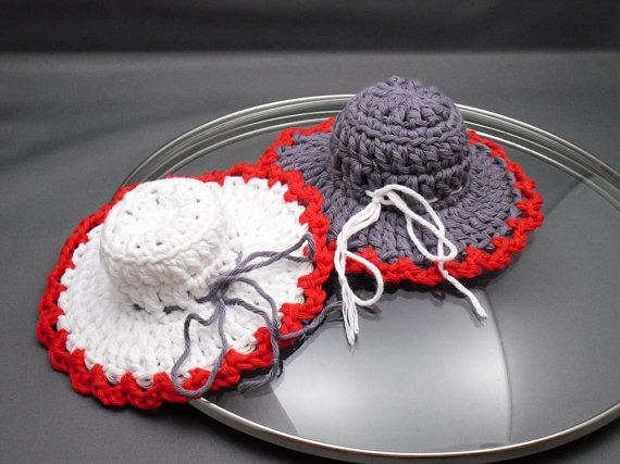 Hey, I found this really awesome Etsy listing at https://www.etsy.com/listing/259384410/pan-lid-holders-crochet-pot-holders-pot