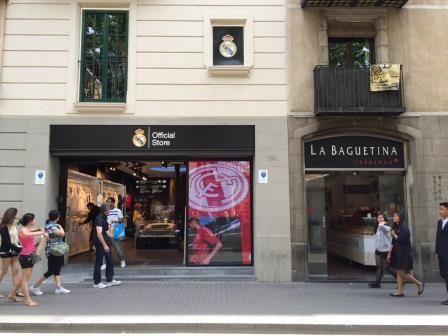 El Real Madrid estrena tienda oficial en Barcelona