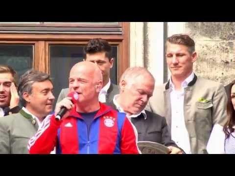 Zum 25. Mal Deutscher Meister - So feiert Bayern auf dem Marienplatz #MiaSanMeister #fcbayern