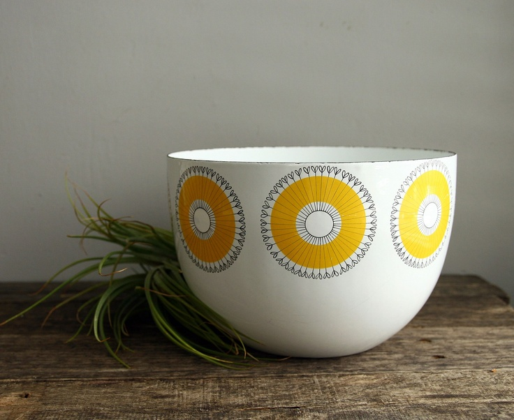 vintage kaj franck finel bowl. $87,00, via Etsy.