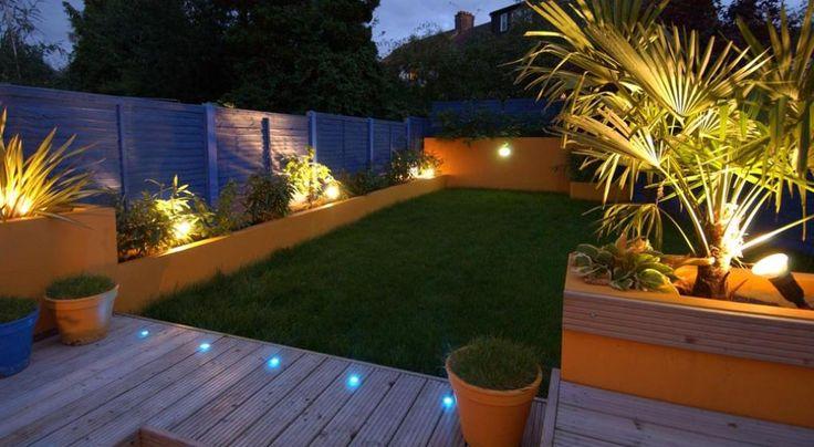 Criterios básicos para ambientar con sistemas lumínicos el jardín de la casa. Las herramientas y las técnicas.
