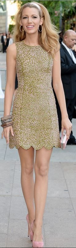 Who made Blake Lively's green scallop dress and pink platform pumps that she wore in New York on June 2, 2014