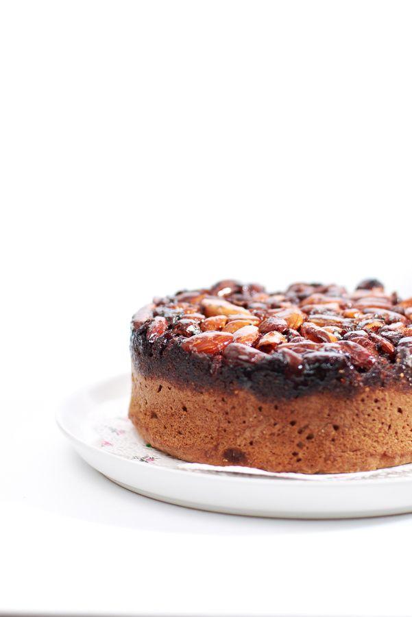 ... caramel nut cake ...