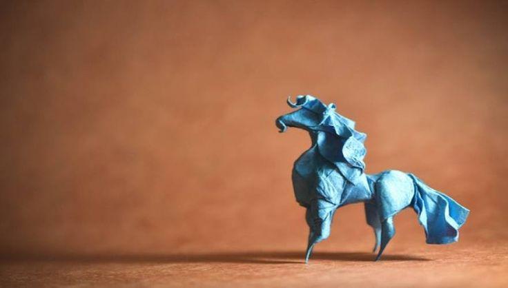 Καλλιτέχνης μετατρέπει χαρτί σε εντυπωσιακά ζώα με την ιαπωνική τέχνη origami (φωτό)