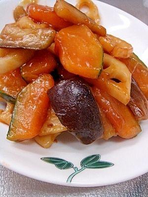 「簡単おいしい★かぼちゃとれんこんの甘辛炒め」野菜だけでヘルシー!旦那様大絶賛の、ゴハンがススム副菜です♪【楽天レシピ】