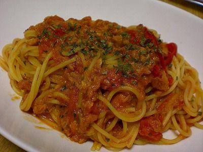 忙しいだんな様のための簡単レシピ! バジルの香りを楽しむツナトマトパスタ!