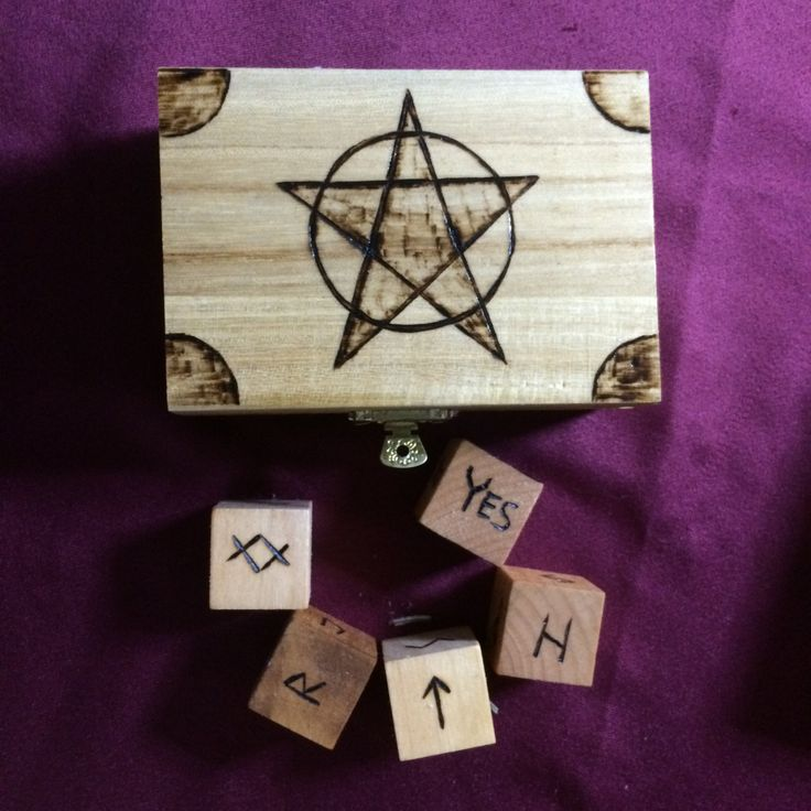 Pentacle Rune Box with Elder Futhark Rune Dice  - Also known as Norse or Viking Runes by WyrdWytchWayz on Etsy