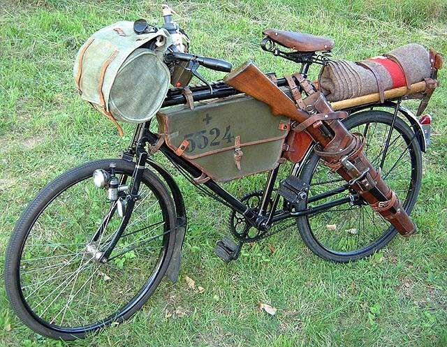 "Would be great for my daily commute. ""Hey, you got a problem? Keep going!"" Haha. Schweizer Armeefahrrad Velo 05"