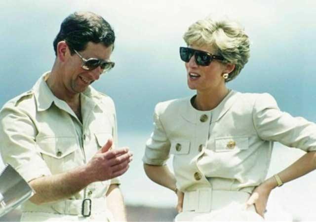 En las cintas reveladas Diana critica a la familia real y el poco respaldo que halló en la reina Isabel II.