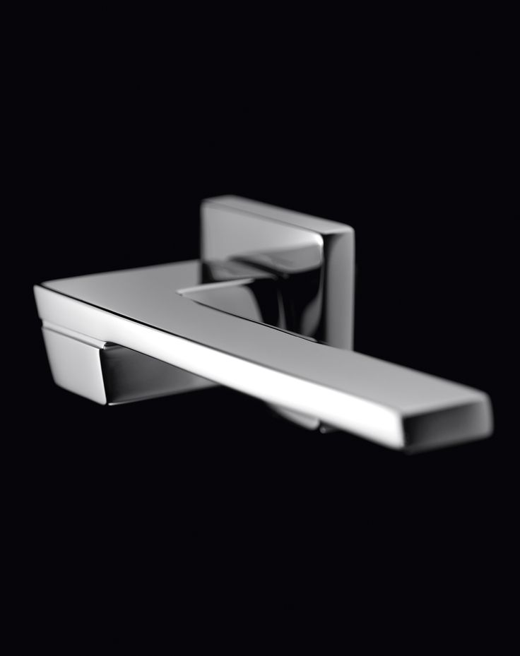 JET series 1370. ALL MADE IN ITALY. All Solid Brass. Designed by CENTRO STILE MANDELLI. Produced by Officine Mandelli1953 Maniglie - Door Handles / Levers. Photo by Davide Bordogna. Since 1953 our products are the highest expression of Italian craftmanship in the world of luxury house.