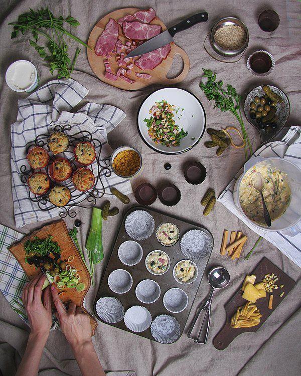 #страсти_по_капкейкам  Секрет самых вкусных в мире капкейков в том что надо запихнуть туда всё что на фото) а именно копчёное мясо сыр косичка кукуруза маслины и зелень  сырная шапочка солёный огурчик и оливка.  И без сахара вот тогда самое ТО. by ilzi_