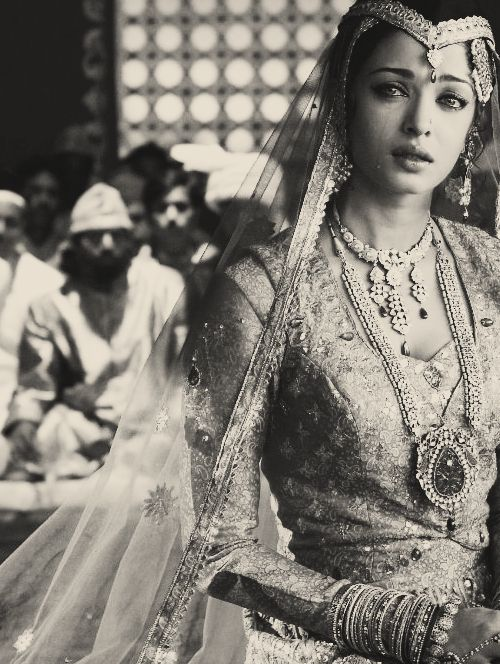 Aishwarya Rai Desi Indian Beauty Bollywood Actress Umrao Jaan - Rhea Khan - ♥ Rhea Khan