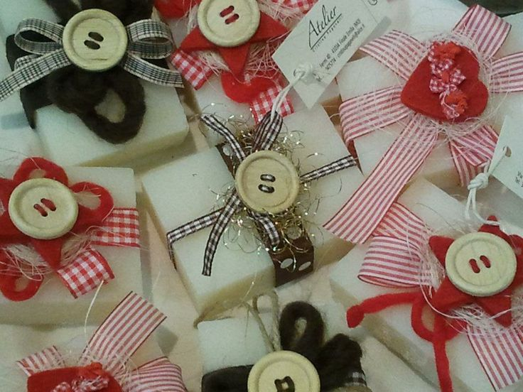 SOAP WITH RIBBON AND WOOD BUTTON