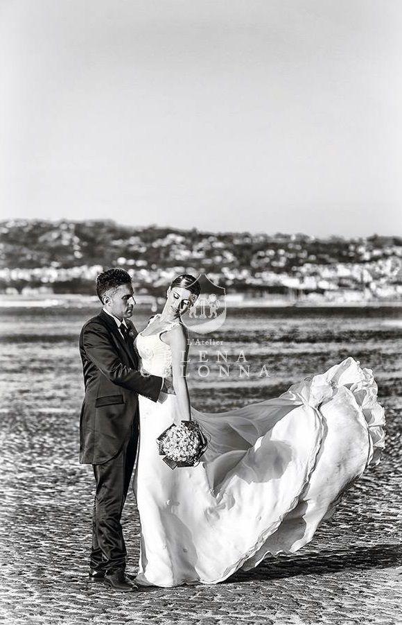 Un tocco di regalità per l'abito da sposa: lo strascico.