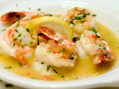 Sauteed Shrimp w/ Garlic and White Wine. Easy and quick way to a delicious dinner.
