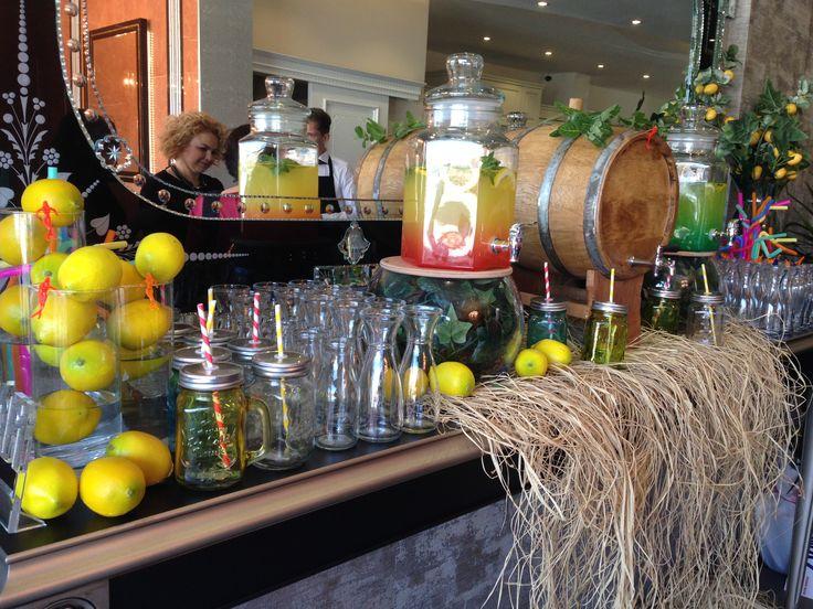 #catering#lansman#kokteyl#organizasyon#şarapbüfesi#showbar#evyapımılimonata#forum#makroyapı#çikolata#fondü#bistro#streç#kanepe#arasıcak#prolange#event#yönetim#etkinlik www.mynacatering.com