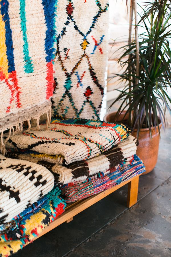 Gorgeous colorful eclectic rugs | theglitterguide.com